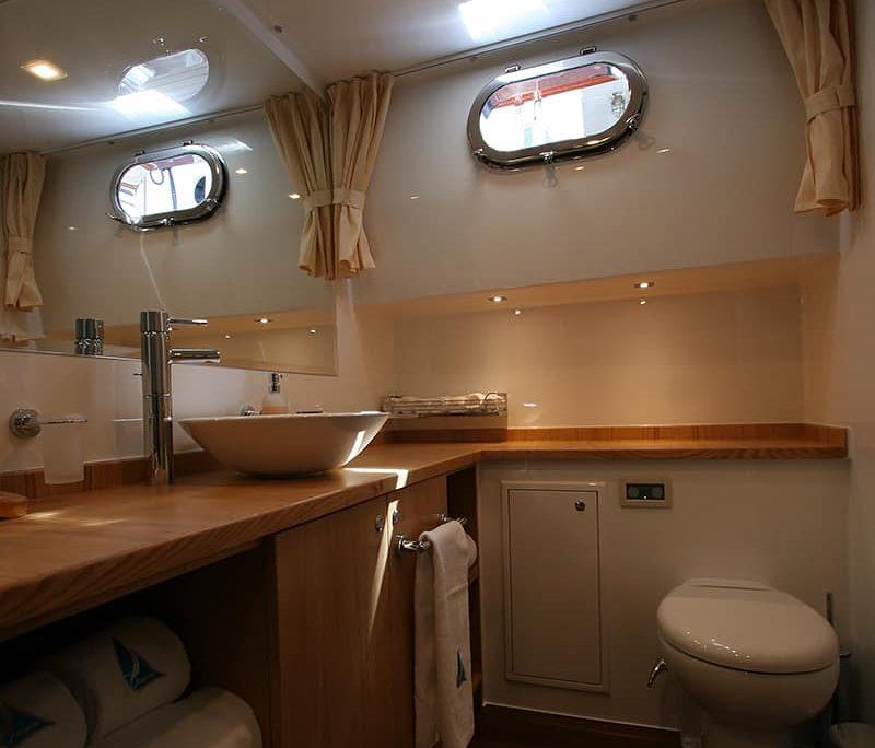 GETAWAY Bathroom