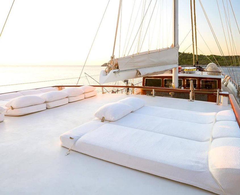 KAPTAN KADIR Sun deck