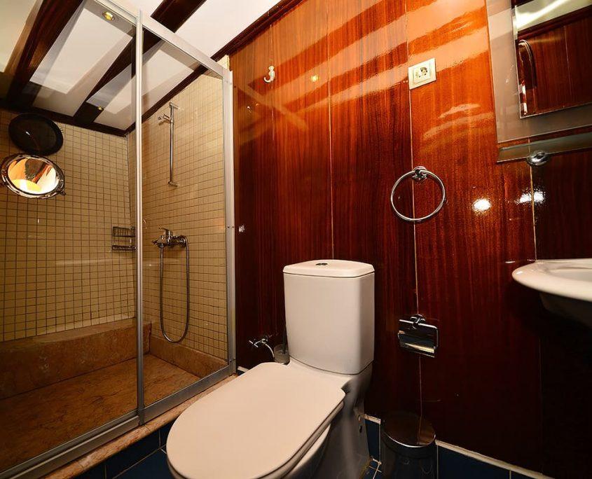 KAYHAN 11 Bathroom