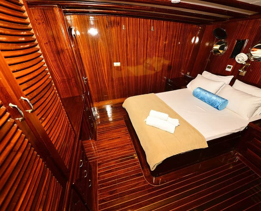 KAYHAN 11 Cabin