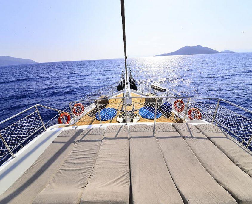 KAYHAN 11 Sun deck