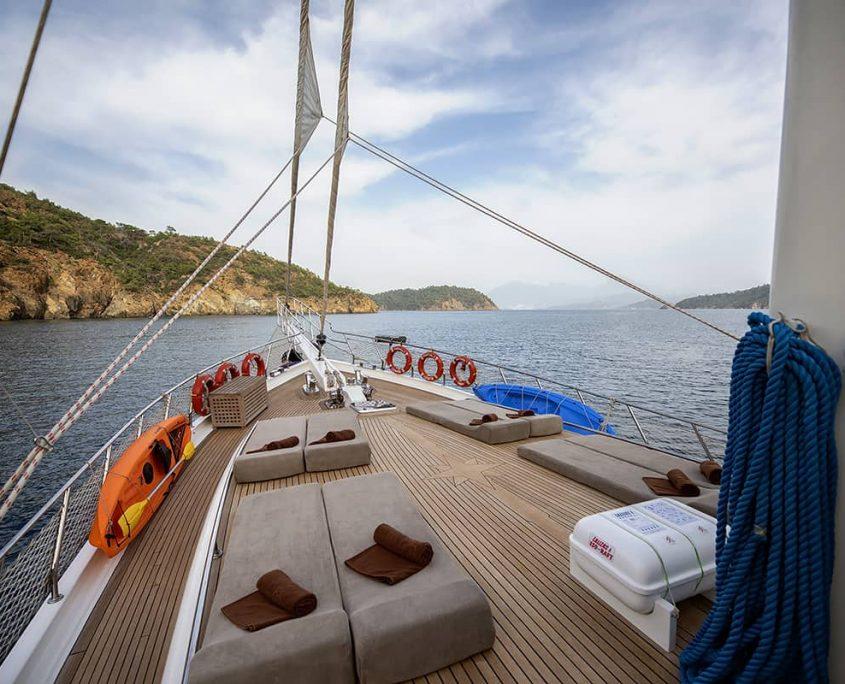 KAYHAN 3 Sun deck
