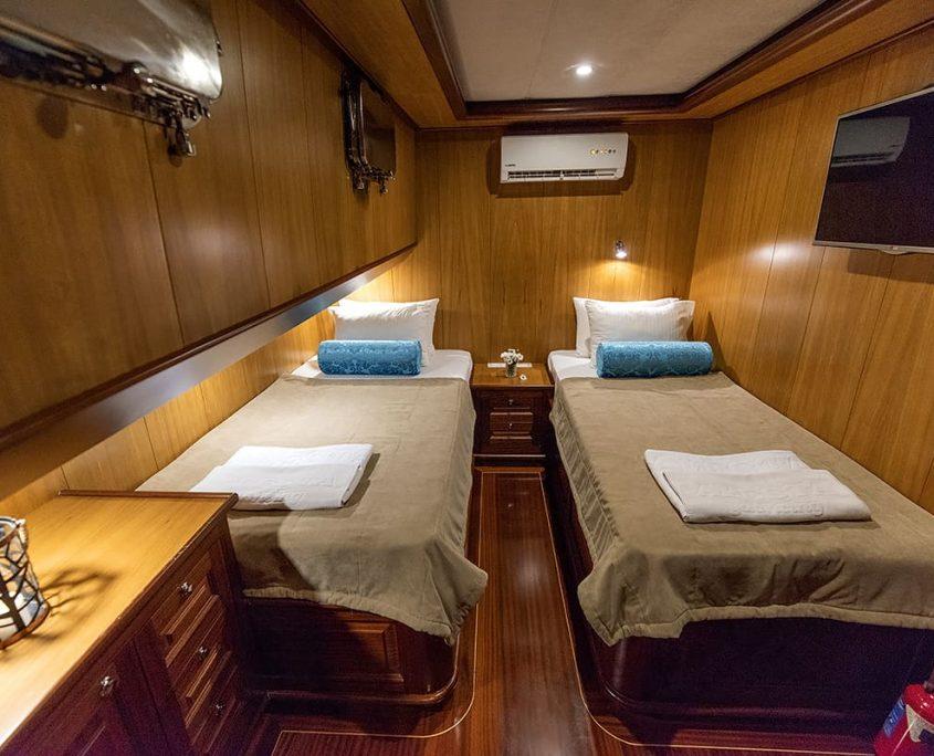 KAYHAN 3 Twin cabin
