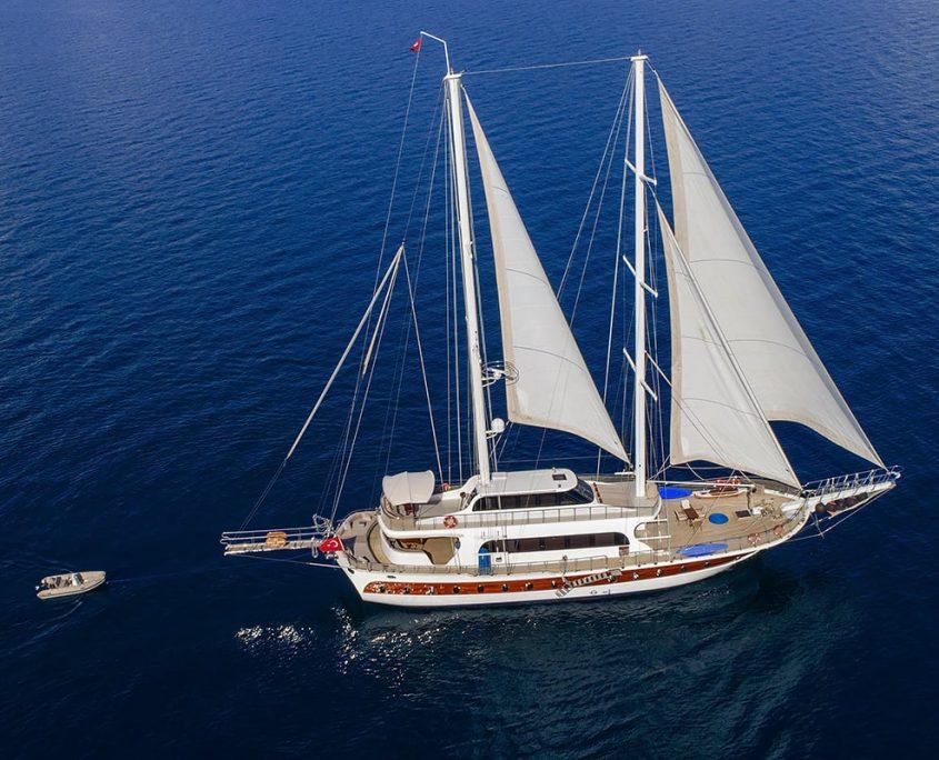 KAYHAN 4 Sailing