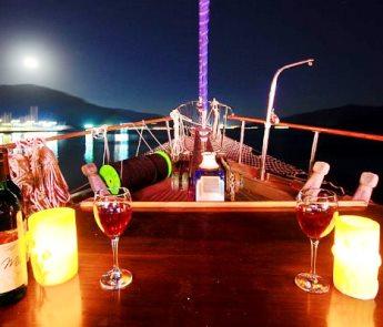Kobra deck by night