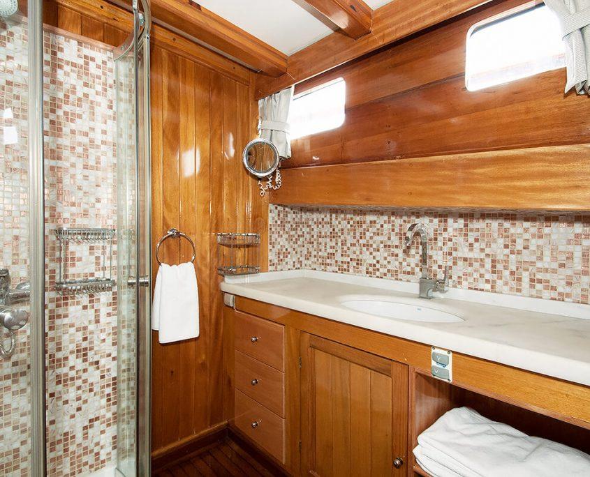 NIKOLA Bathroom