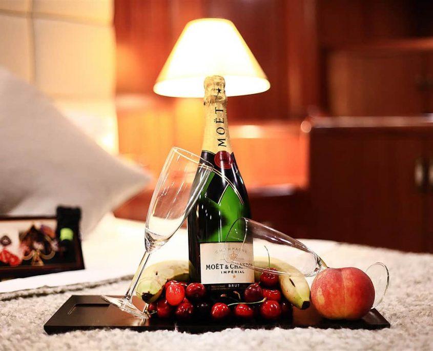NURTEN A Champagne