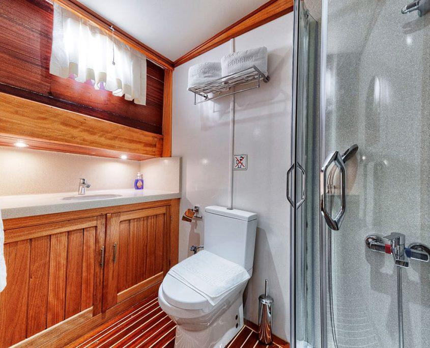 OSMAN KURT Bathroom