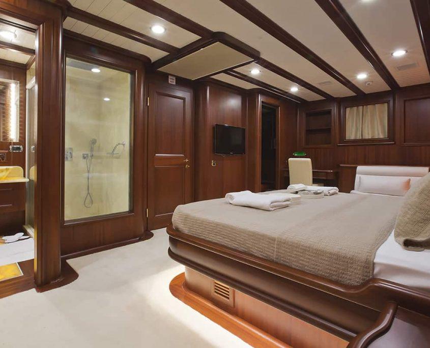 REGINA Master Cabin