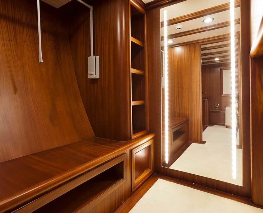 REGINA Master Cabin Closet