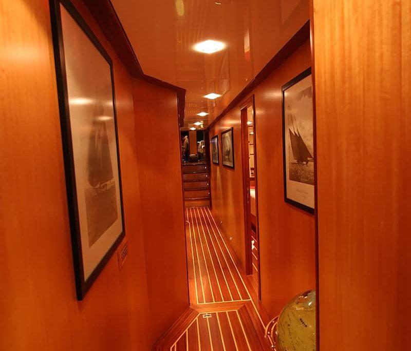 SERENITY 86 - Corridor
