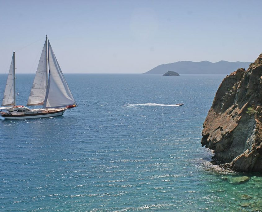 SERENITY 86 - Sailing