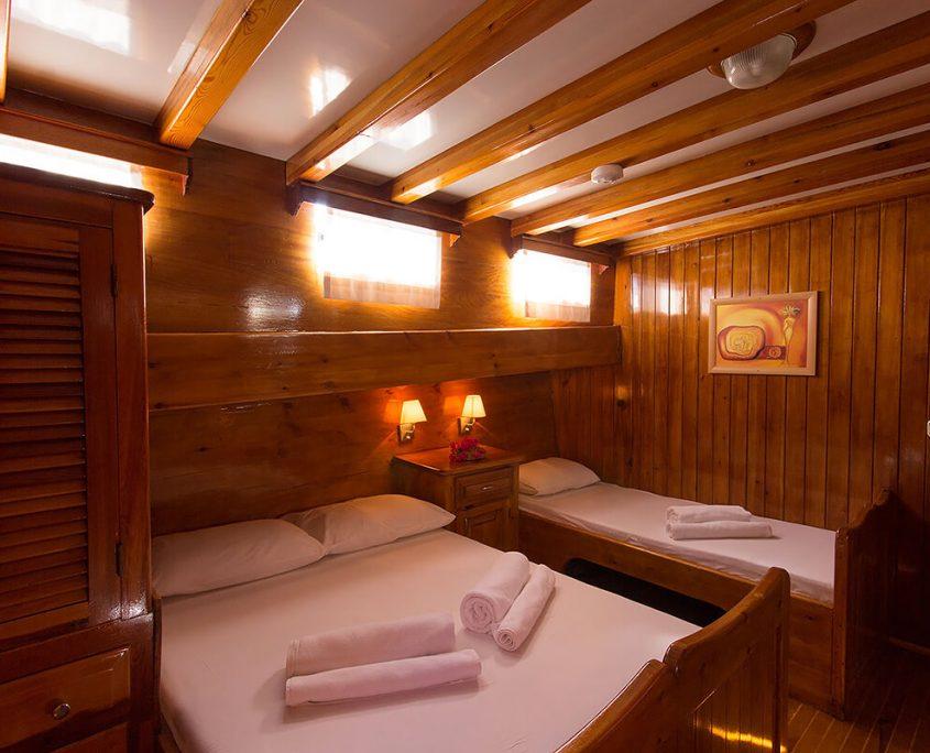 SUNWORLD 6 Triple Cabin