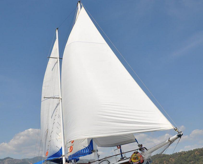SUNWORLD 9 Sailing