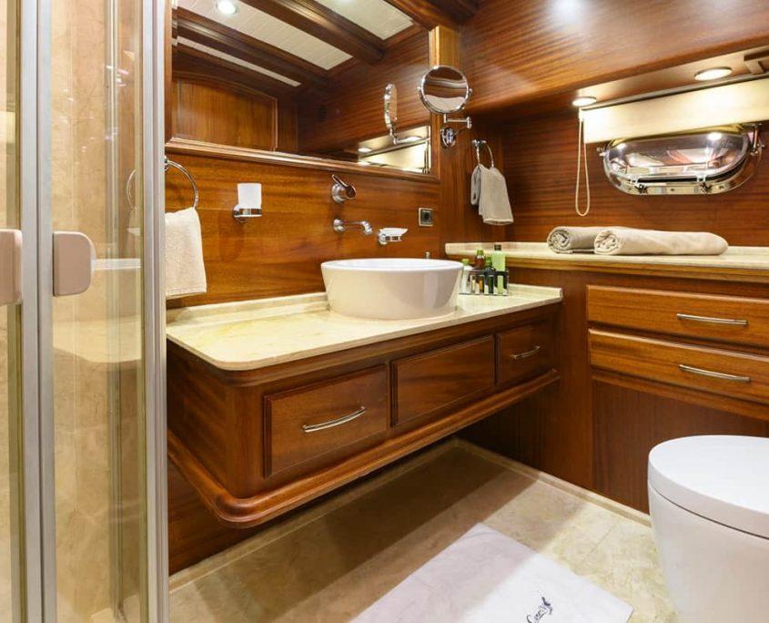CANER 4 Bathroom