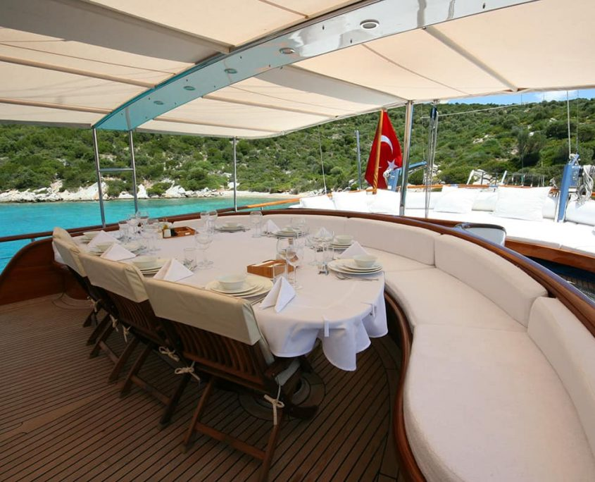 CANER 4 Dining area on Aft deck
