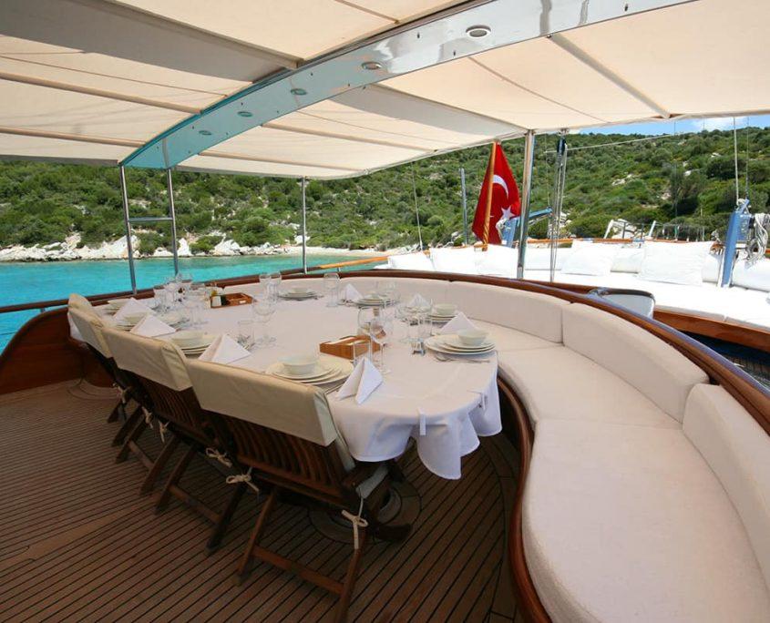 CANER 4 Dining area on Aft deck