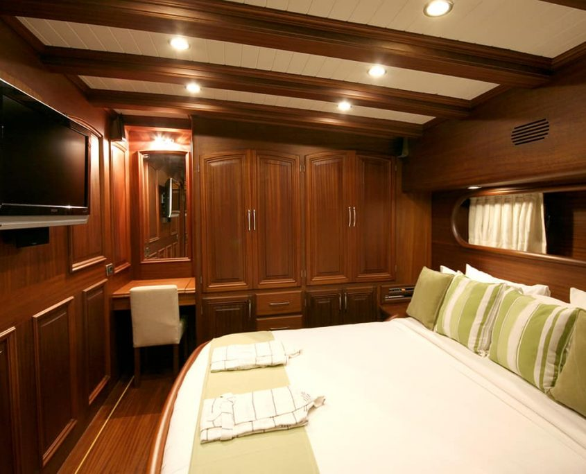 CANER 4 Double cabin