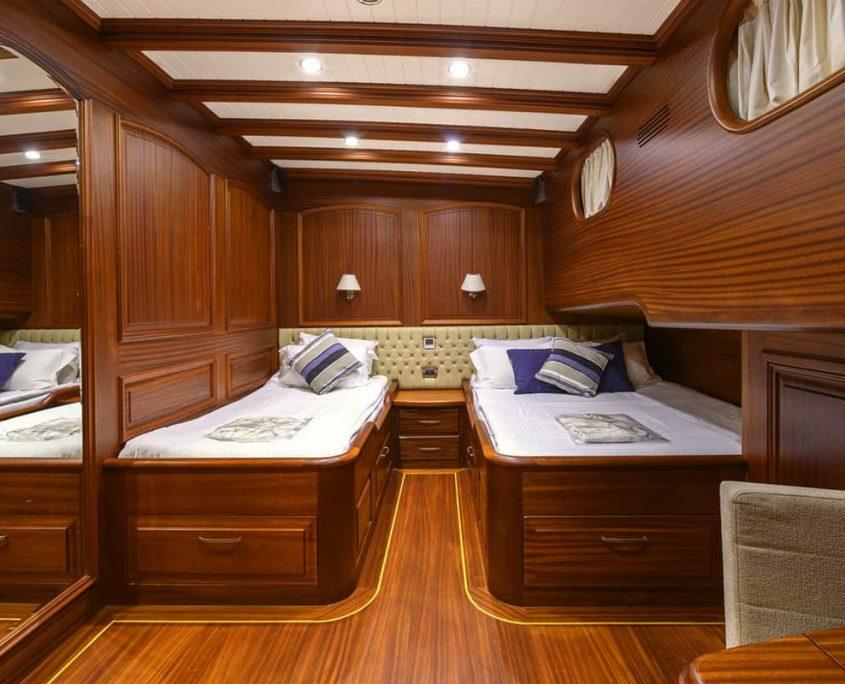 CANER 4 Twin cabin