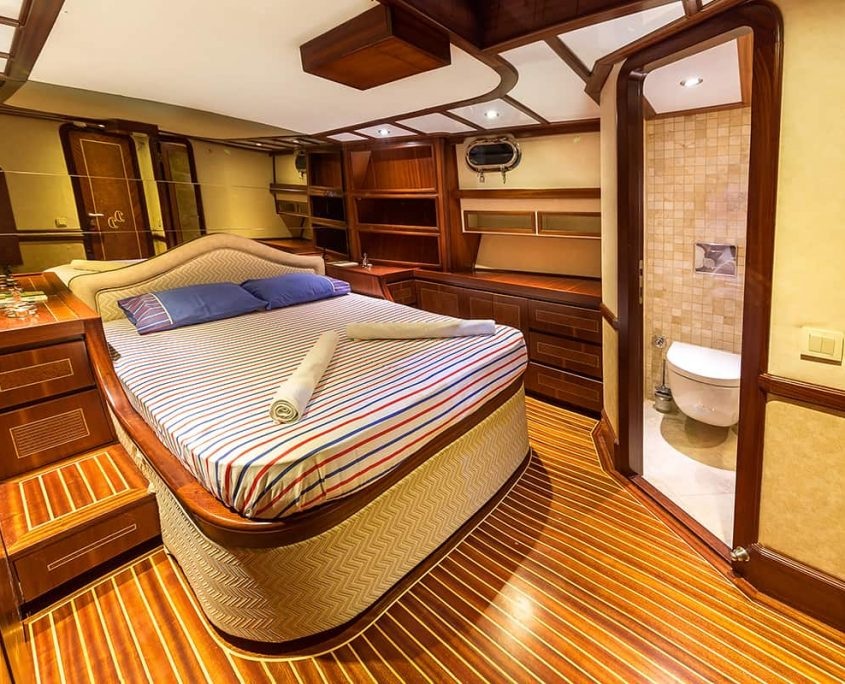 DARE TO DREAM Master cabin
