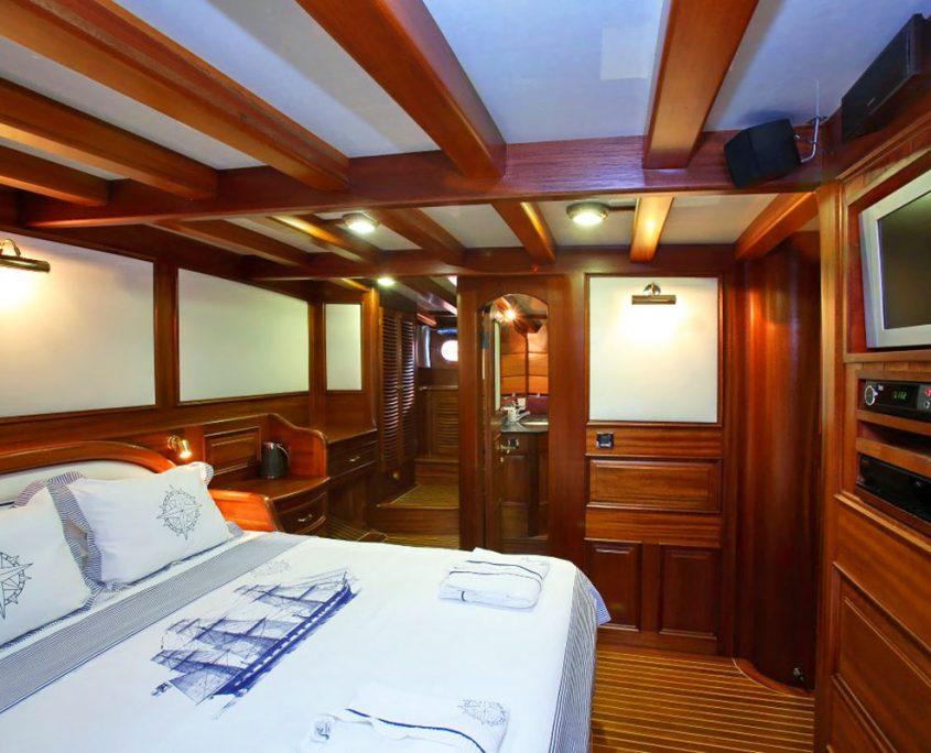 KAYA GUNERI 4 Cabin