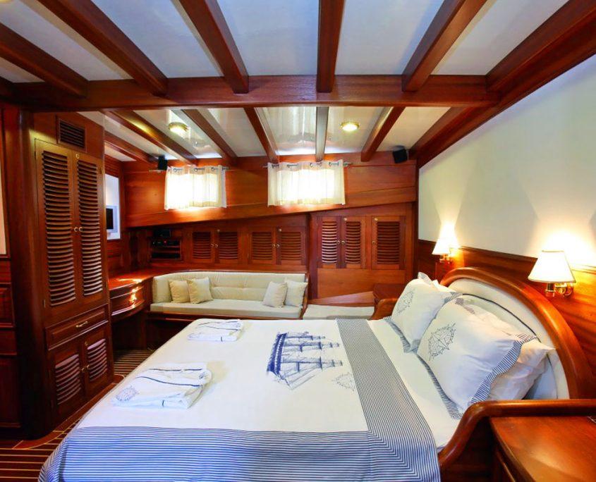 KAYA GUNERI 4 Cabin view