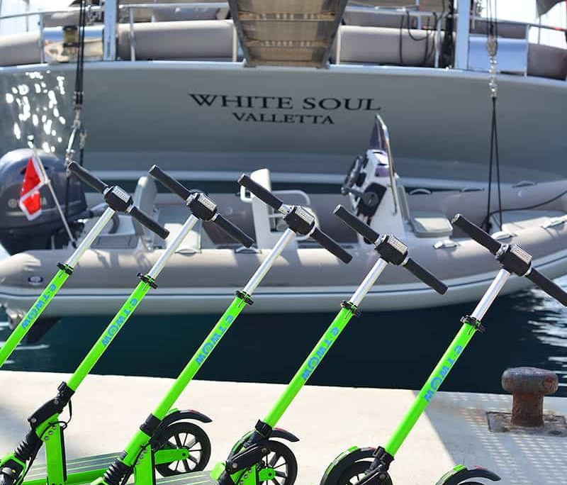 WHITE SOUL Electric scooter