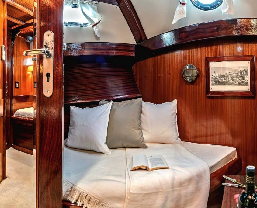 3 double cabins
