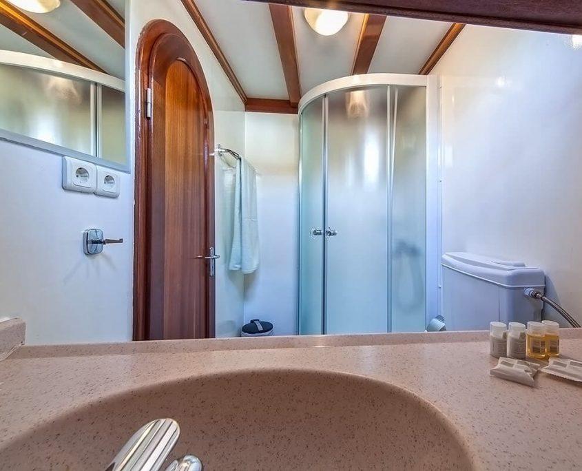 ANNA MARIJA Bathroom
