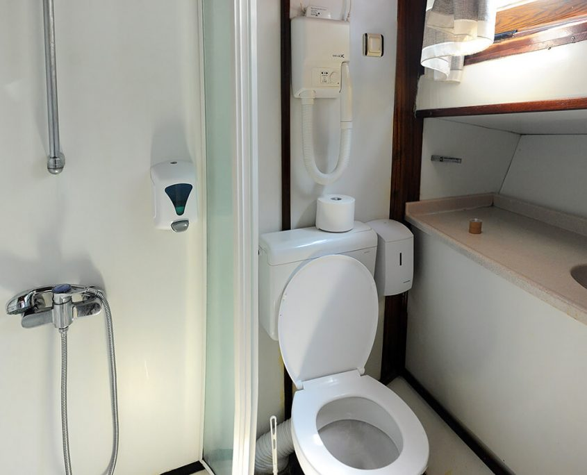 AGORA Bathroom