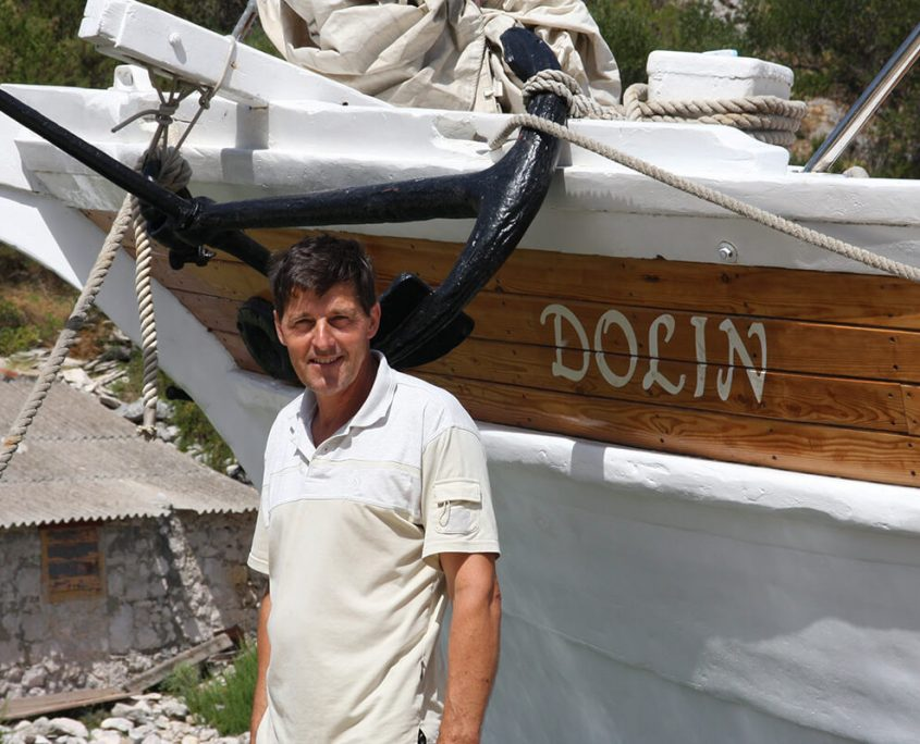 DOLIN Captain