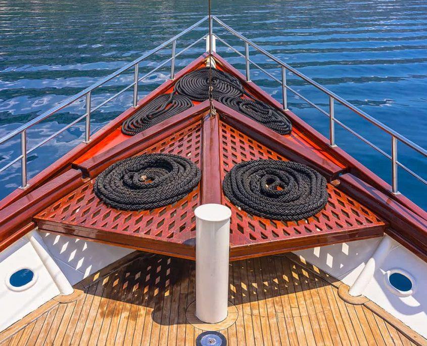 LUNA Front deck
