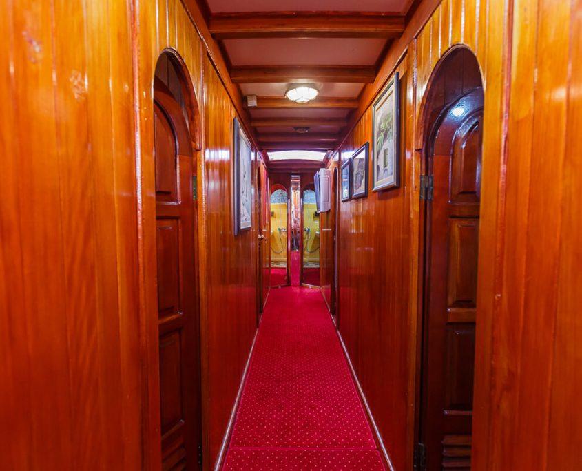 NOSTALGIJA Hallway