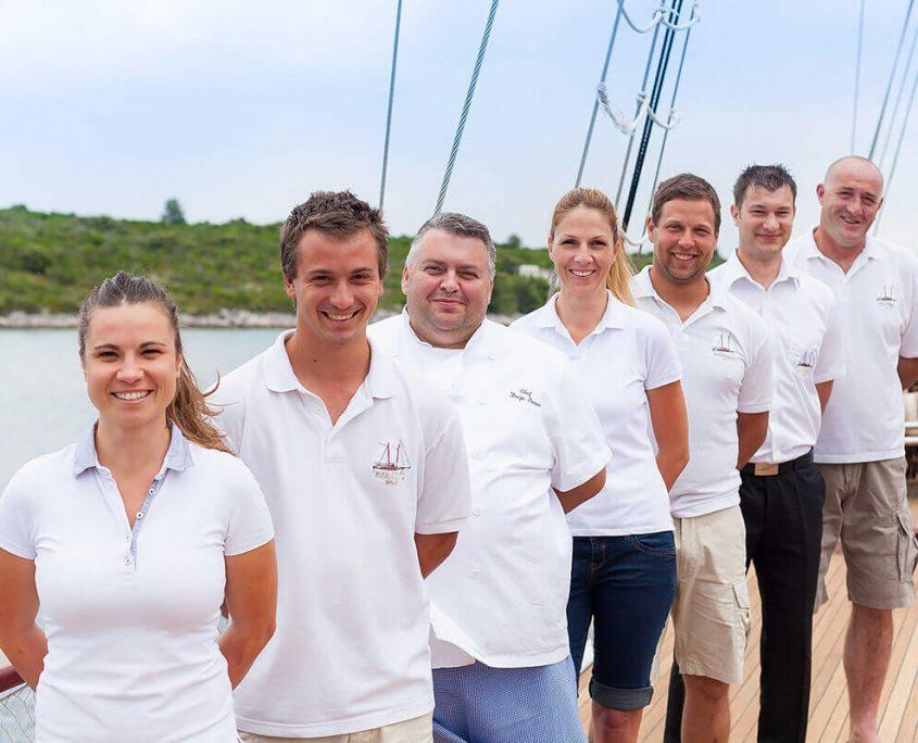 ROMANCA Crew
