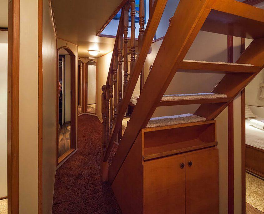 ROMANCA Hallway