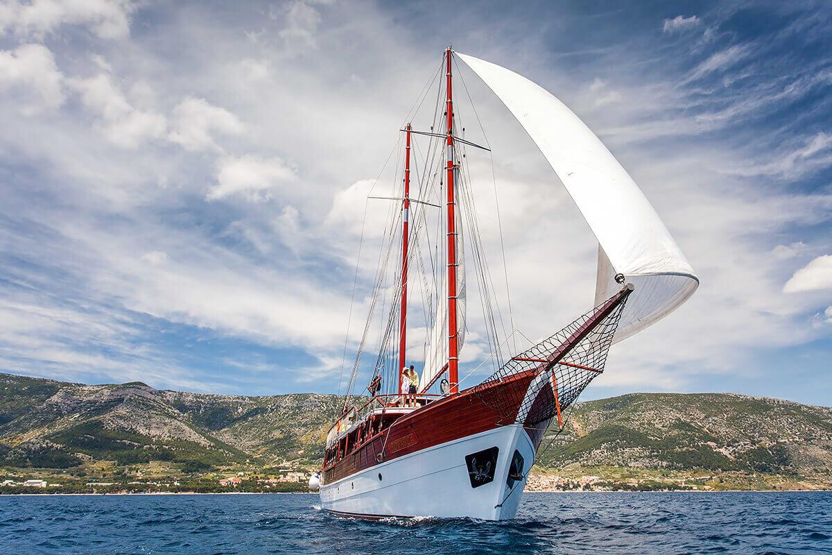 ROMANCA Sailing