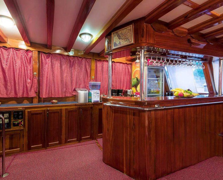 CROATIA Salon