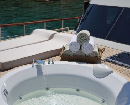 Gulet Blue Heaven - Deck Jacuzzi