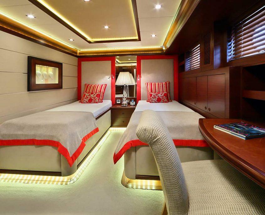 DAIMA Twin cabin
