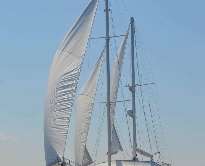 GUL SULTAN Sailing