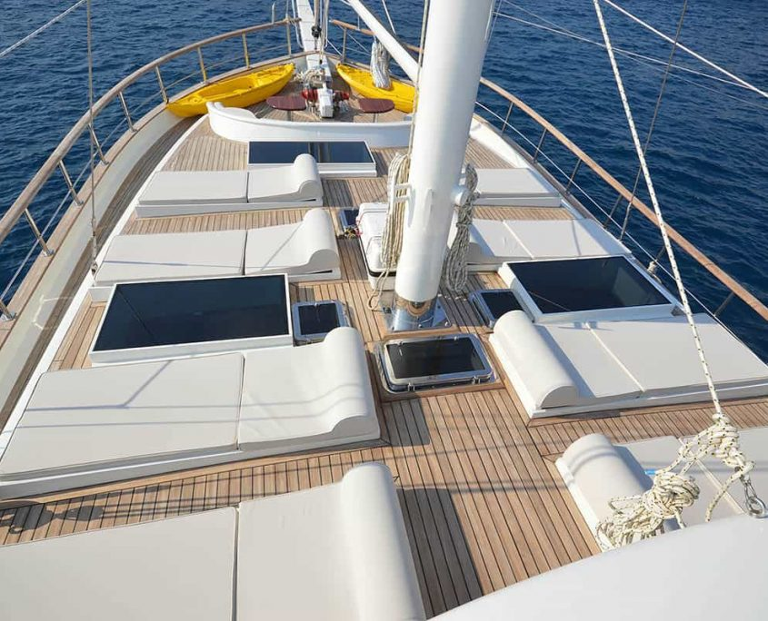 GUL SULTAN Sun deck