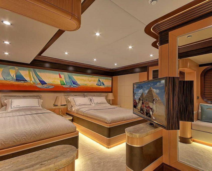 MEIRA Twin cabin