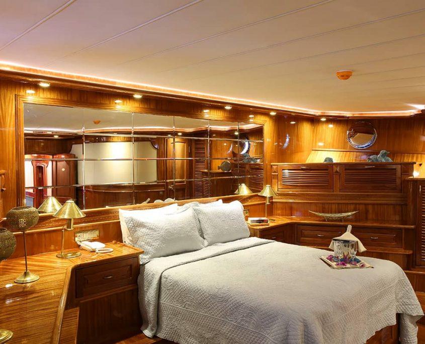 QUEEN ATLANTIS VIP Cabin