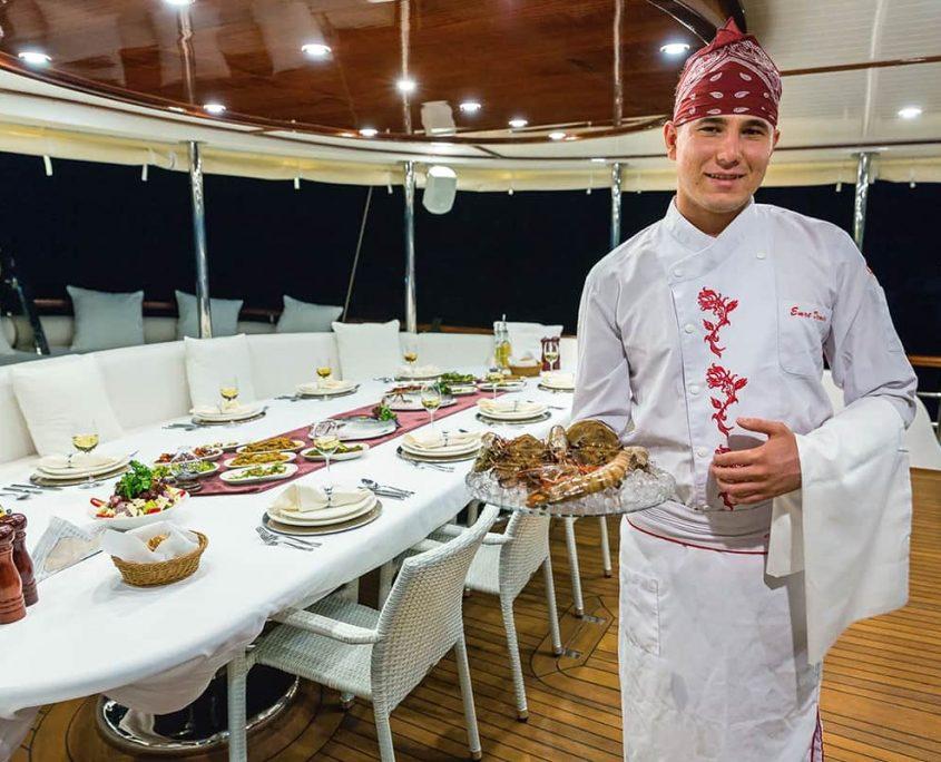 HALCON DEL MAR Seafood specialties