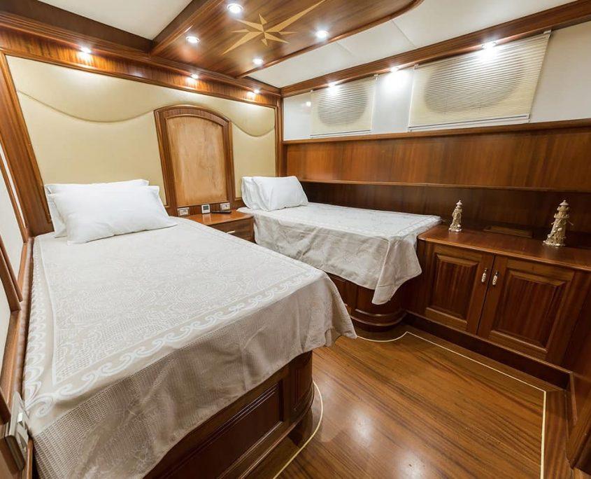 HALCON DEL MAR Twin cabin