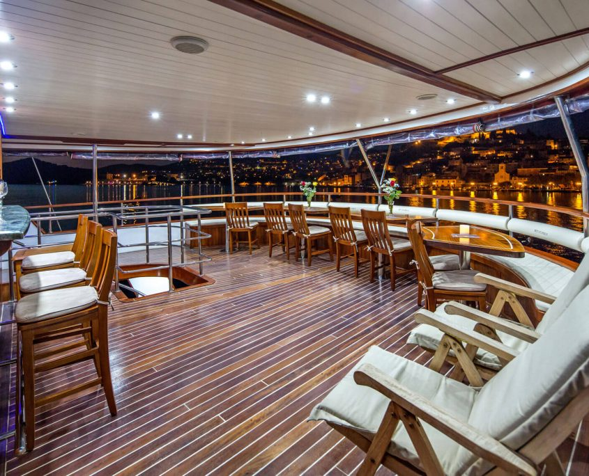 Upper Aft Deck Bar Area
