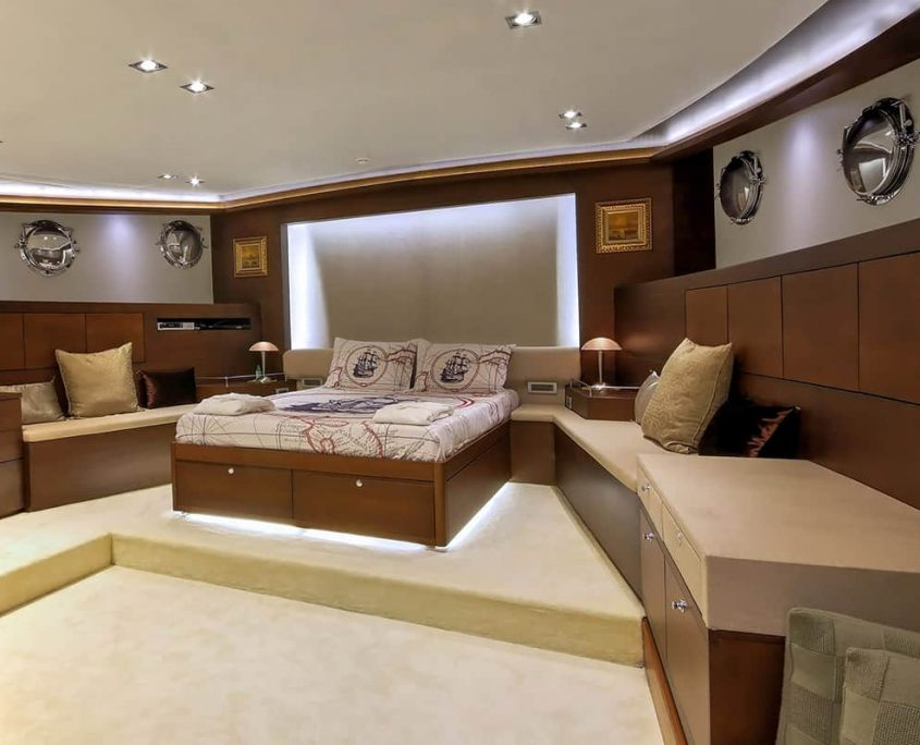 DOUBLE EAGLE Master cabin