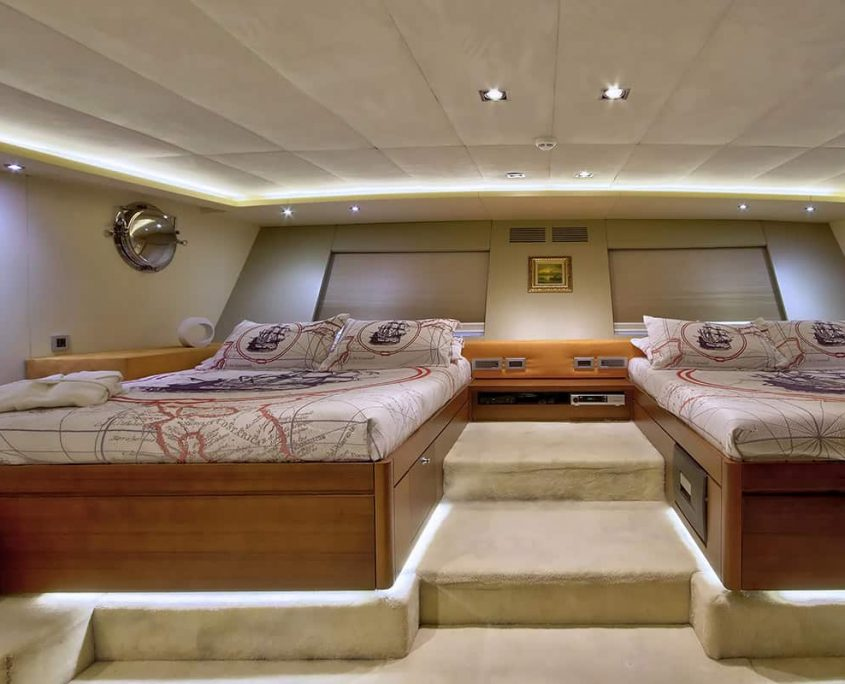 DOUBLE EAGLE Twin cabin
