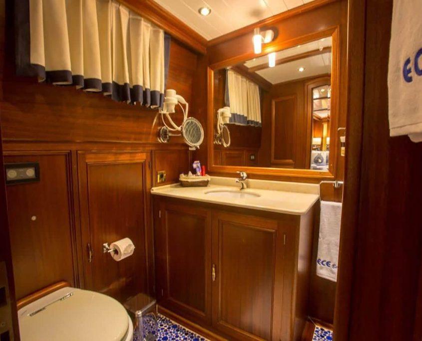 ECE BERRAK Bathroom