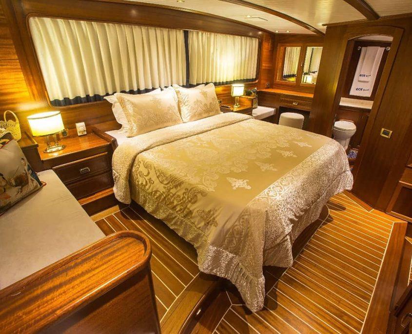 ECE BERRAK Master cabin